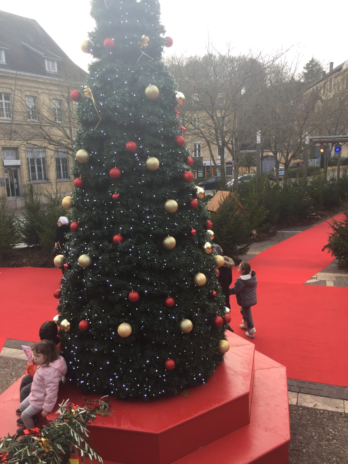 Venez nombreux pour une inauguration du marché de Noel féerique